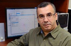 Ismaïl Biskri est professeur au Département de mathématiques et d'informatique.