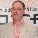 Le professeur Gilles Bronchti est directeur du Laboratoire d'anatomie humaine de l'UQTR