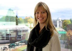 Caroline Poulin est professeure au Département de chiropratique de l'UQTR