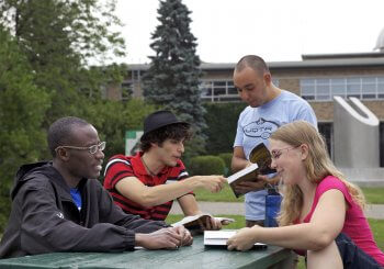 Plus de 300 étudiants font leur arrivée sur le campus