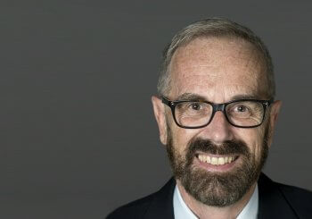 Guy Bertrand, porte-étendard consacré de la langue française