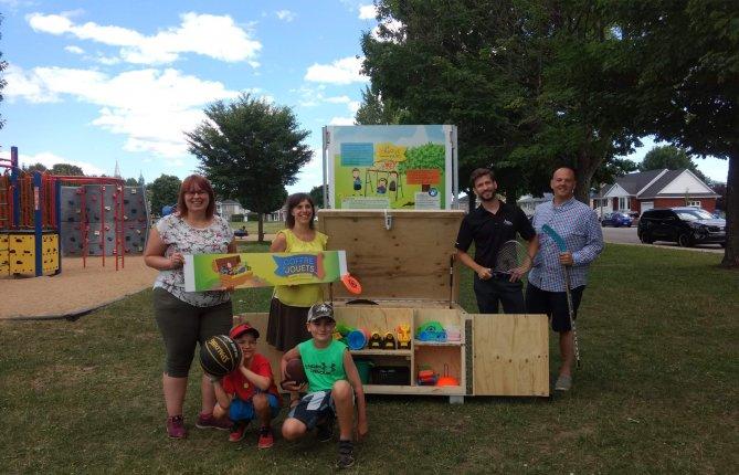 Un coffre de jeux en libre accès dans les parcs de Trois-Rivières