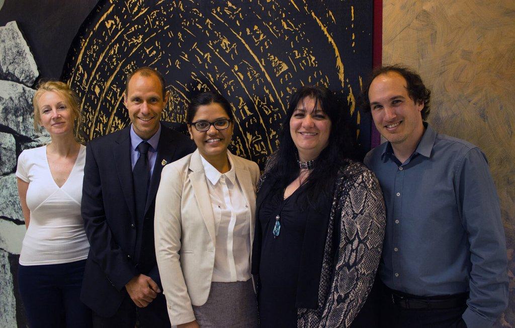 Mme Céline Van Themsche (professeure, UQTR), M. Hugo Germain (professeur, UQTR), Mme Aparna Singh (étudiante), Mme Isabel Desgagné-Penix (professeure, UQTR) et M. Charles Goulet (professeur, Université Laval).