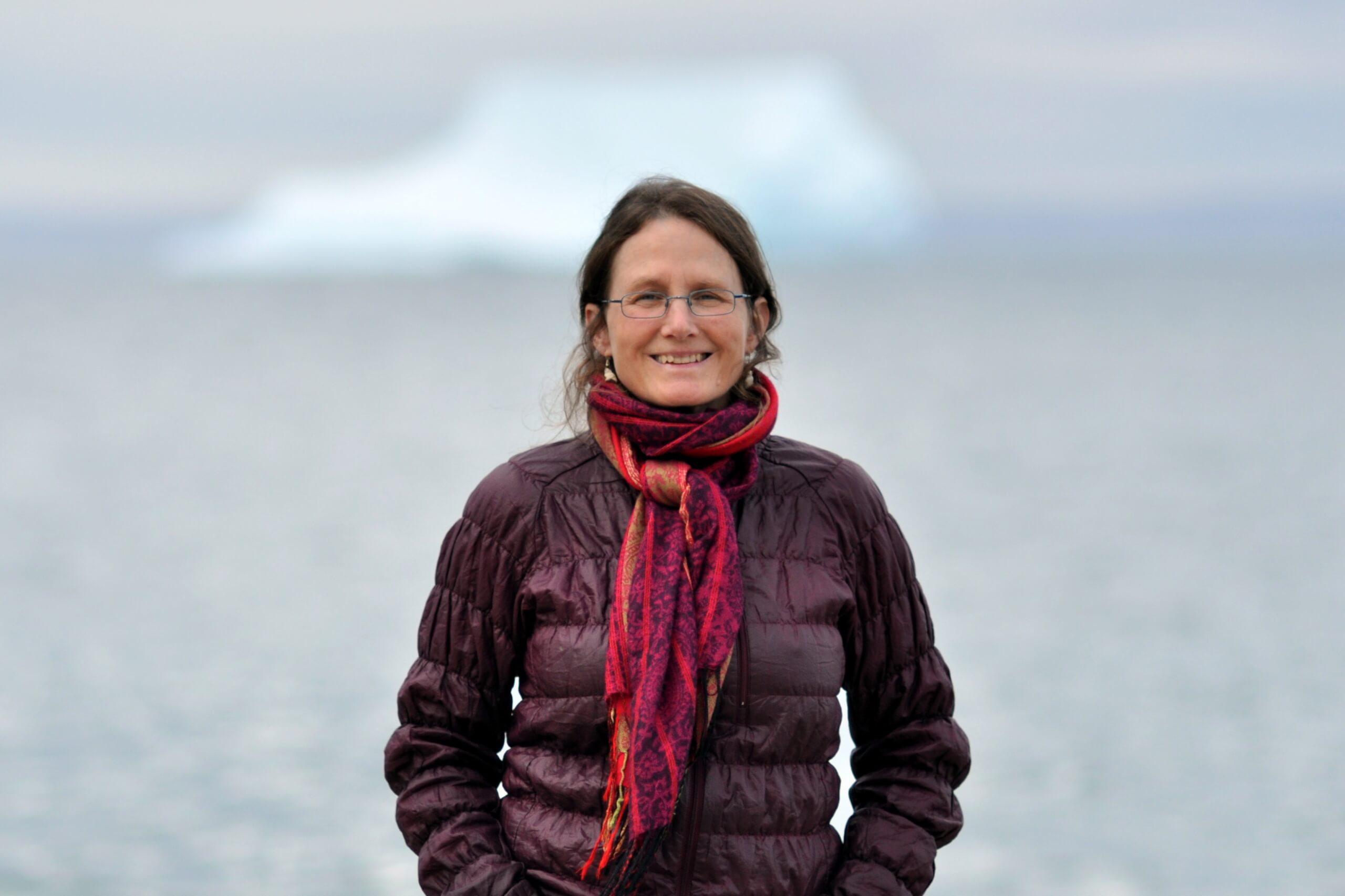 Mme José Gérin-Lajoie, lors de son passage à Pond Inlet (Nunavut).