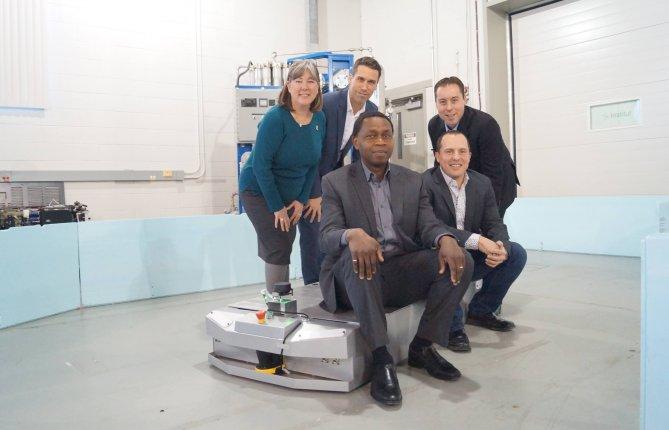 L'UQTR et DIVEL® développeront des véhicules industriels autoguidés plus intelligents