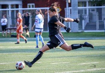 Lambert devient la première joueuse de soccer des Patriotes nommée sur l'équipe d'étoiles canadiennes