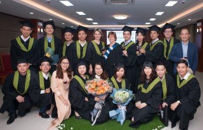 Nouvelle cohorte de 18 diplômés de l'UQTR au Vietnam