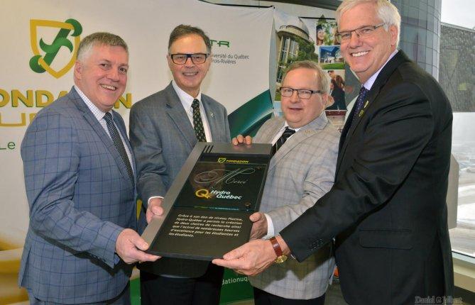 Hydro-Québec investit 1,8 M$ dans la recherche et la relève en génie à l'UQTR