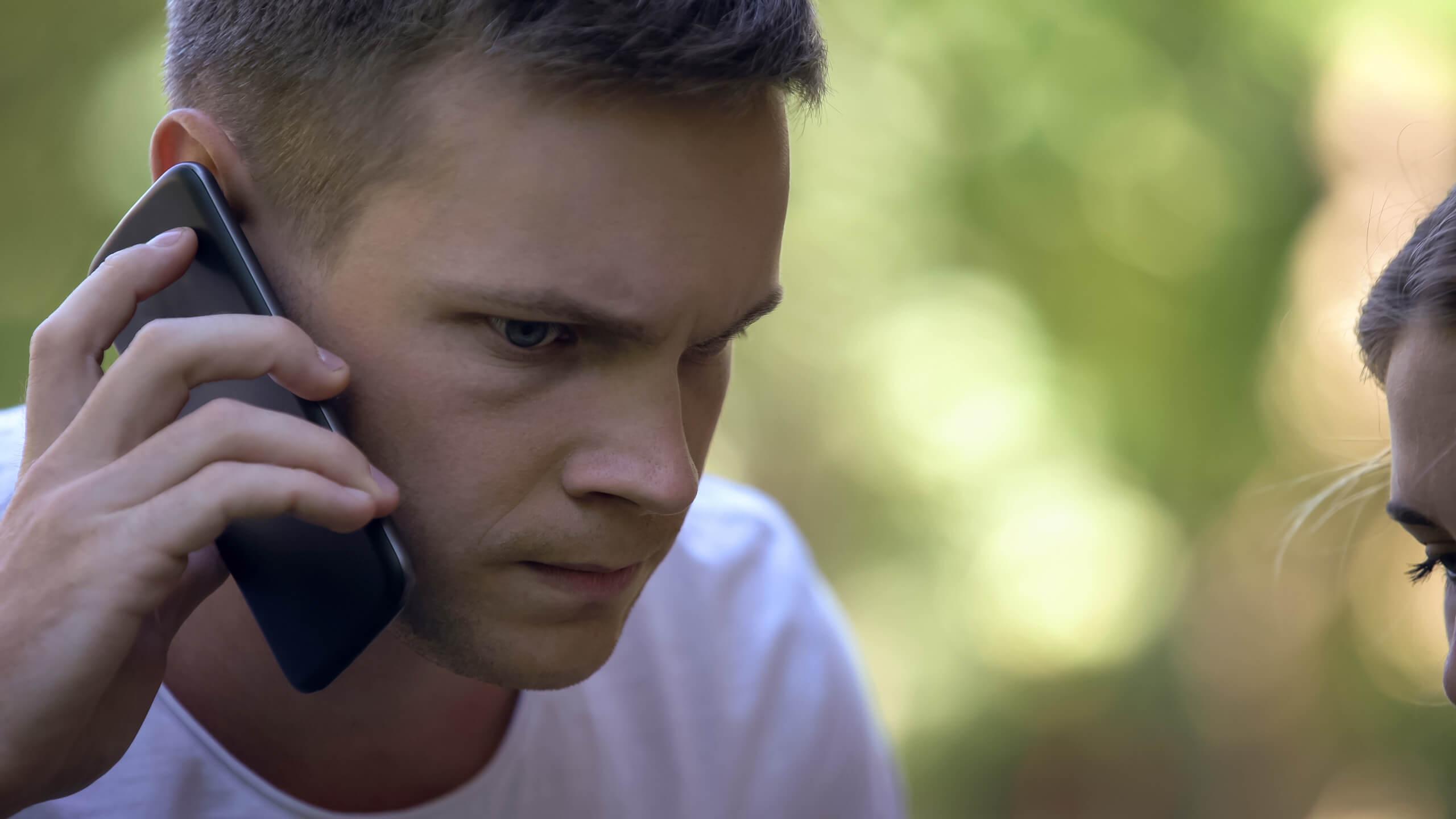 Détecter les appels d'urgence frauduleux: quand la linguistique se met au service des enquêteurs