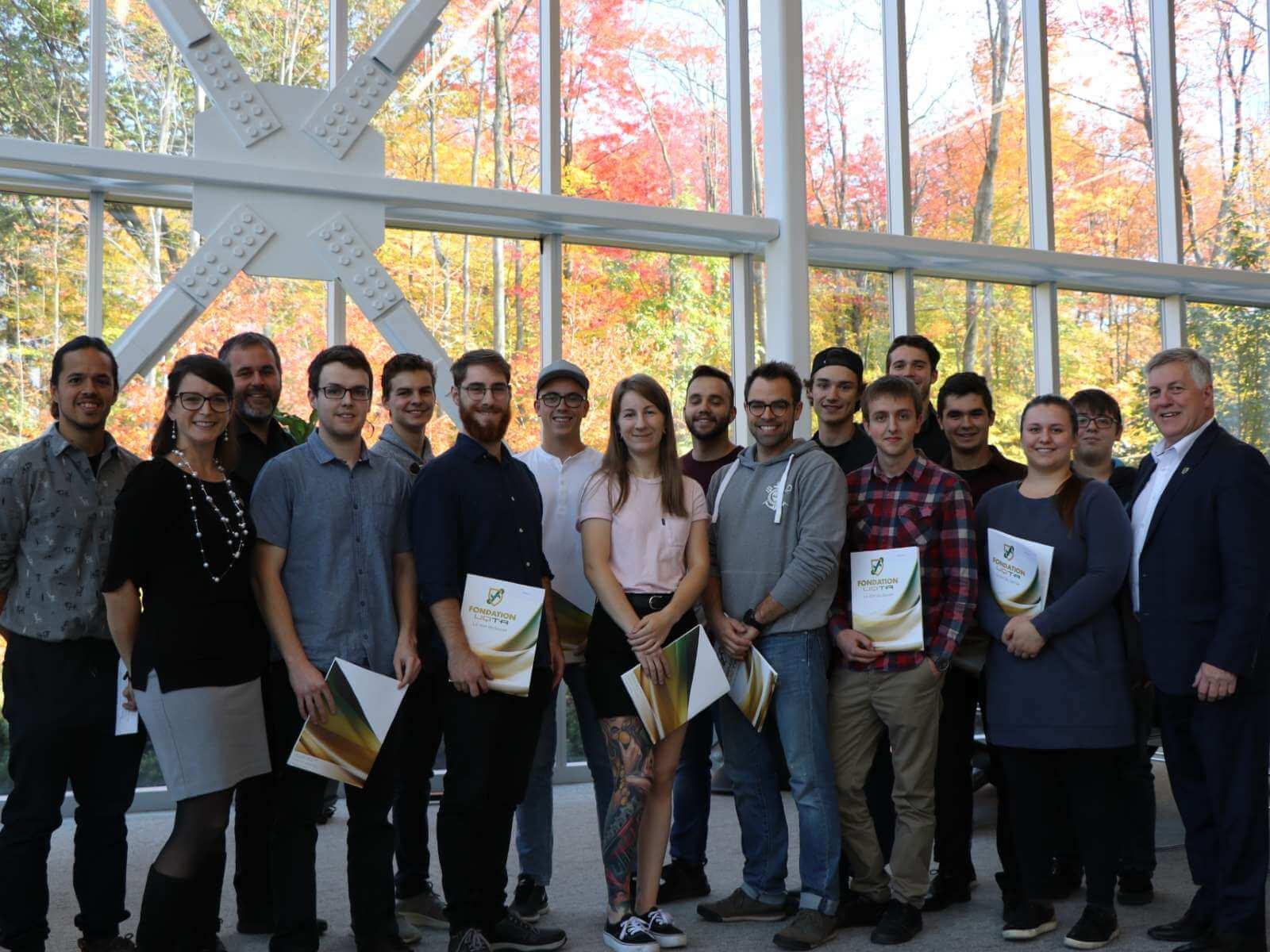 Campus de Drummondville : quinze étudiants en génie mécanique se partagent 30 000 $ en bourses