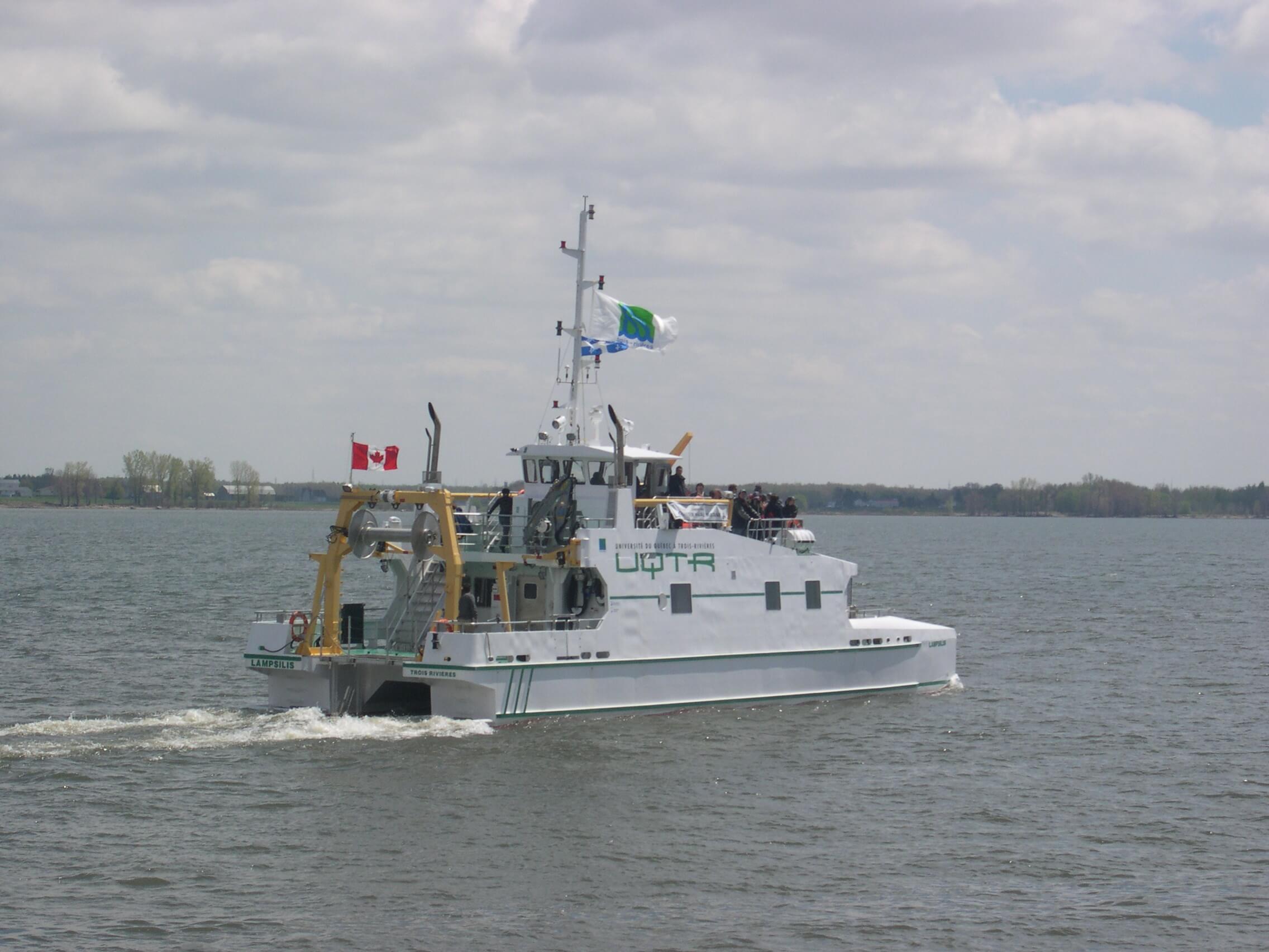 Le navire de recherche Lampsilis de l'UQTR.