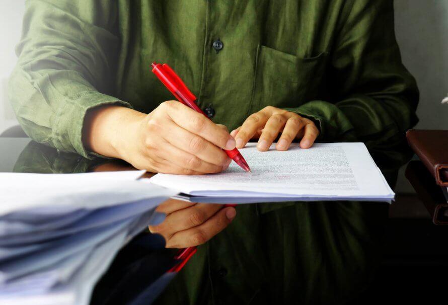 La révision en communication écrite: par nos fautes, par nos très grandes fautes