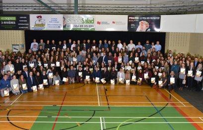 De nombreux heureux lors de la cérémonie de remise de bourses de la Fondation de l'UQTR
