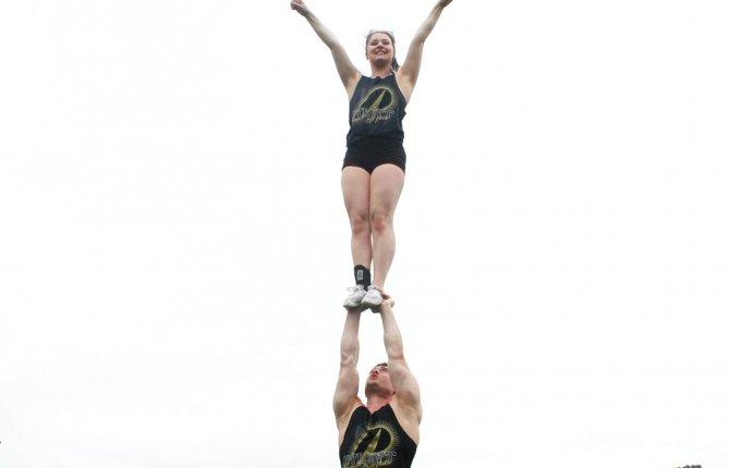 Anne-Michèle Pagé-Primeau à la barre de l'équipe de cheerleading des Pats