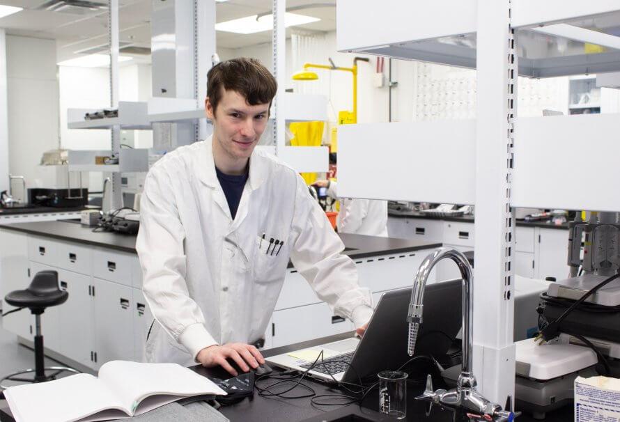 En vidéo: l'importance d'être au labo pour avancer ses travaux