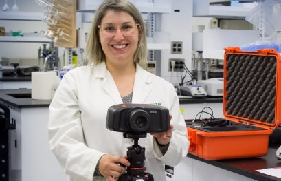En vidéo: Vanessa Moran reprend ses analyses au Laboratoire de criminalistique