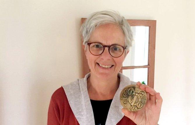 Lucie Hamelin reçoit le Mérite du CIQ