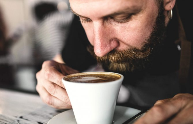 Lier perte de l'odorat et trouble du sommeil pour détecter le Parkinson