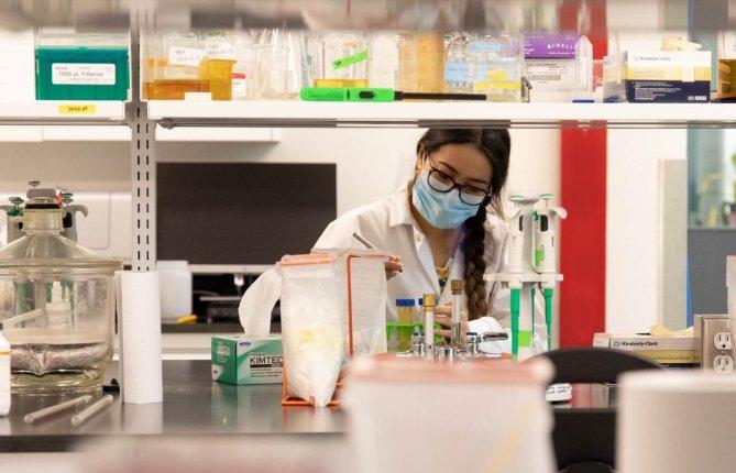Des étudiants-chercheurs de l'UQTR obtiennent 1M$ en bourses du Canada